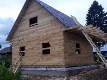 Деревянный дачный дом с мансардой