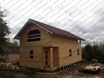 Деревянных двухэтажный дом