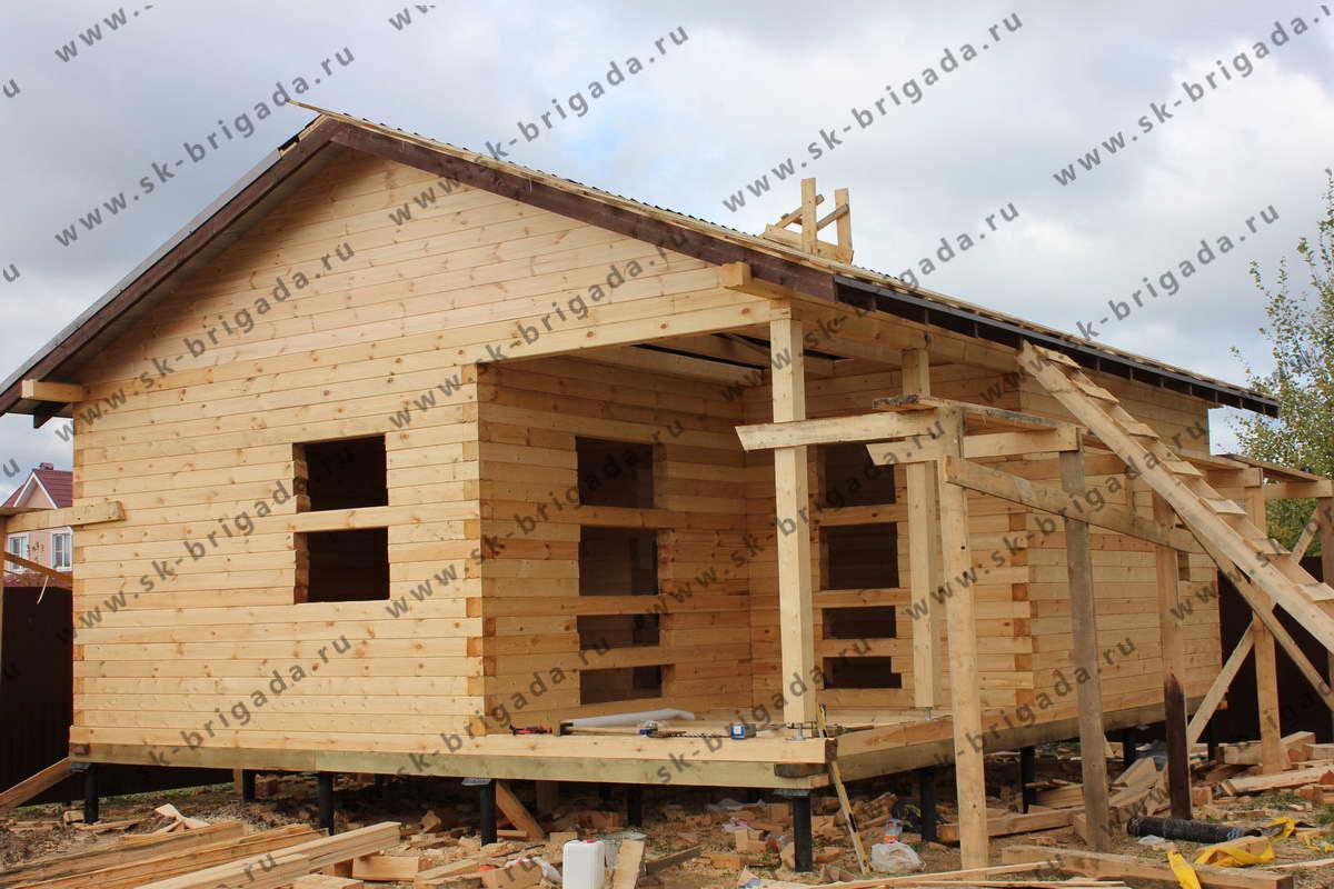 одноэтажный сруб дома для постоянного проживания