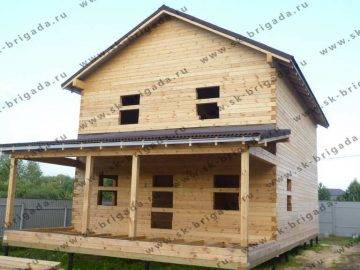 Брусовой двухэтажный дом
